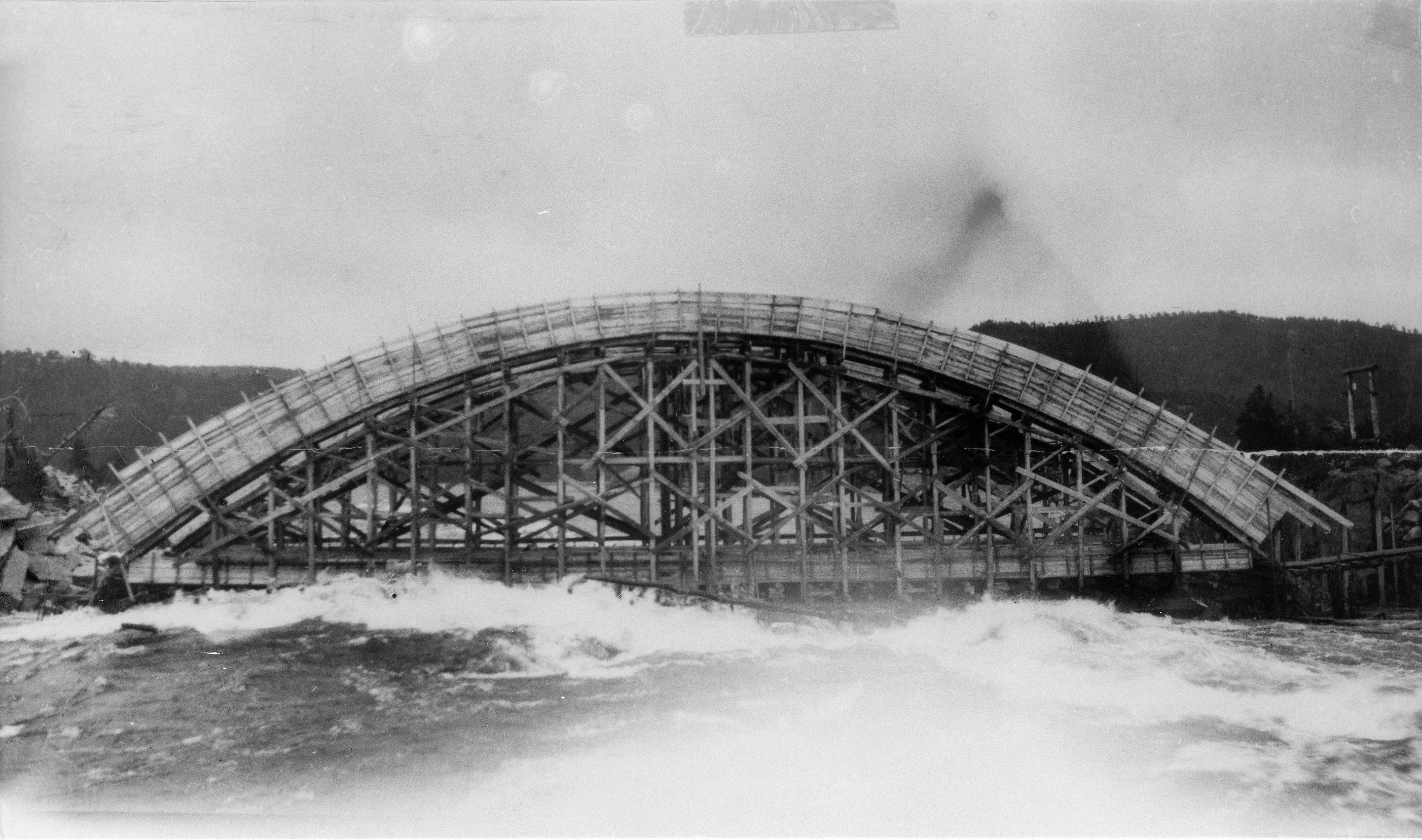 OB Historisk. Storflom Nomeland kraftverk bru 1917